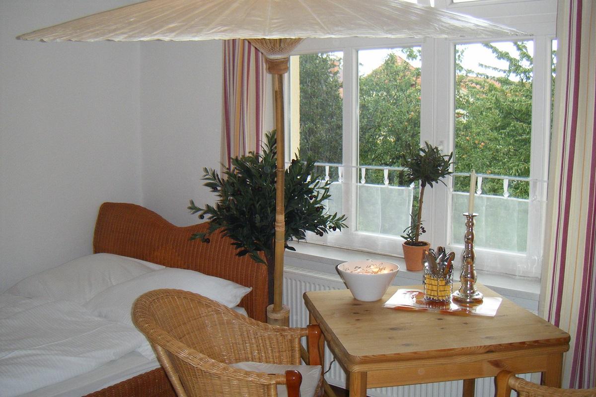 ferienwohnung appartmenthaus in k hlungsborn west landhaus b low we b low s blick f r 2. Black Bedroom Furniture Sets. Home Design Ideas